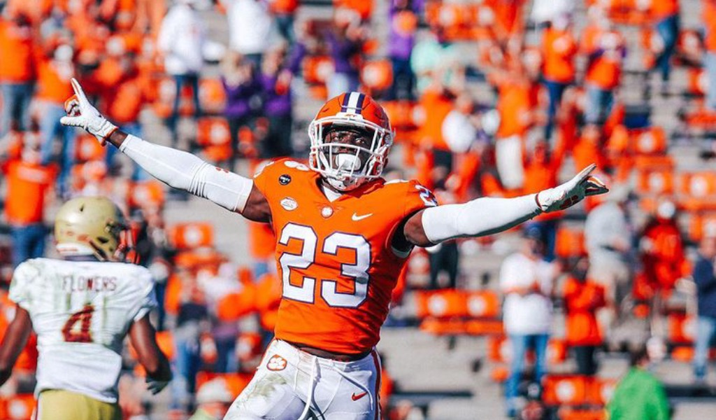 After breakout season, Andrew Booth Jr. draft stock on the rise
